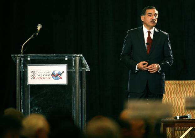 Anil Puri presents at the 2010 Economic Forecast.