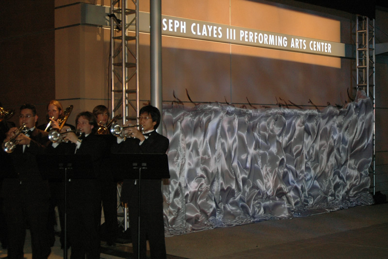 Students perform as Clayes name is unveiled